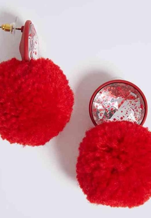 Red Pom Pom