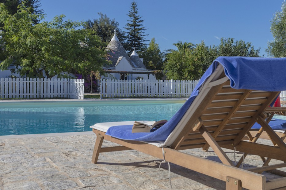 trullo-and-pool